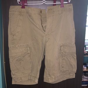 Host pick! Men's cargo shorts